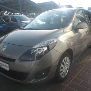 RENAULT GRAND SCENIC Scénic 1.6 16V Expression