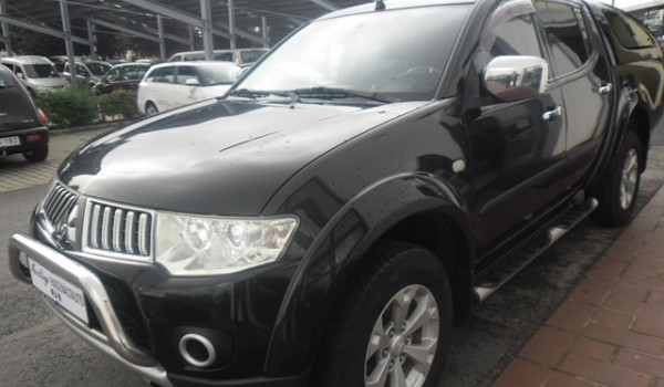 MITSUBISHI L 200 Pick Up 2.5 D DC Warrior