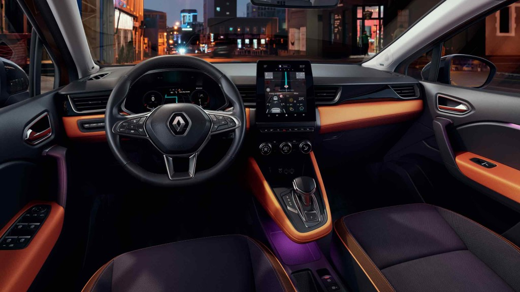 renault-captur2-ph1-interior-lifestyle-003