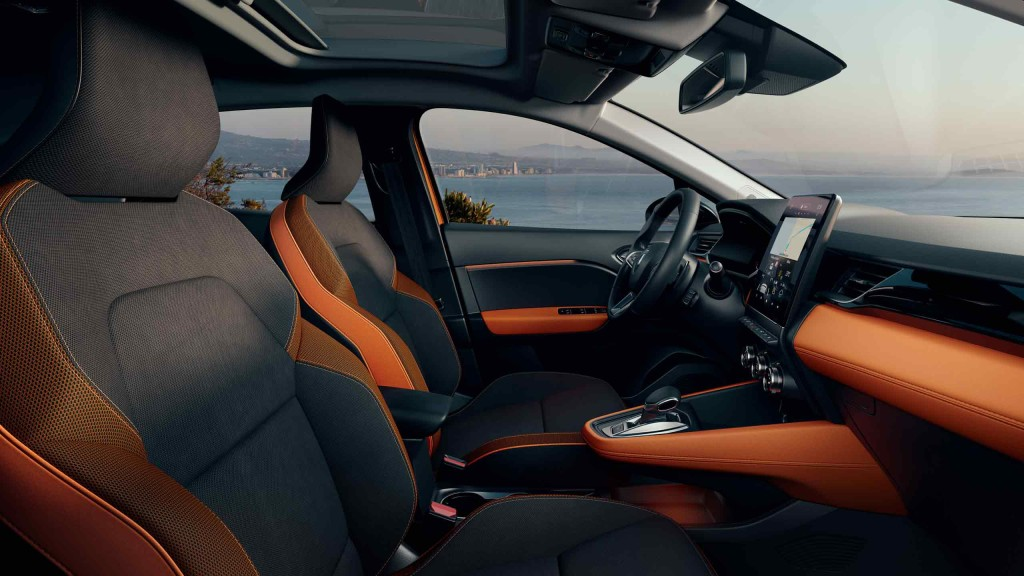 renault-captur2-ph1-interior-lifestyle-005