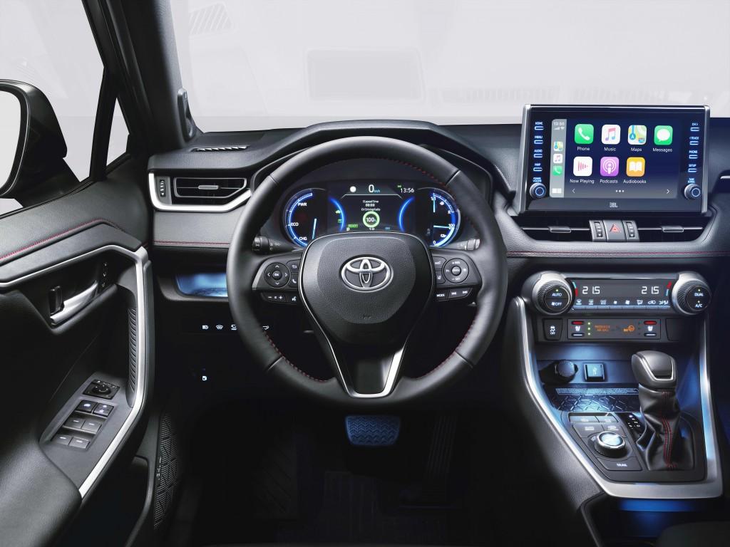 vadonatuj_Toyota_RAV4_Plug_in_Hybrid_3